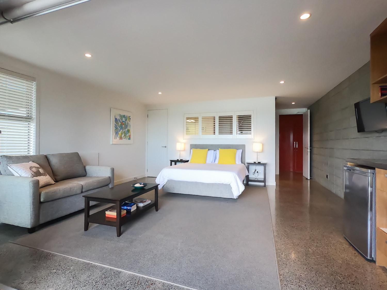 Seashells Suite - main room